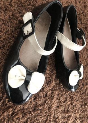 Лаковые туфельки 33-34 р7 фото