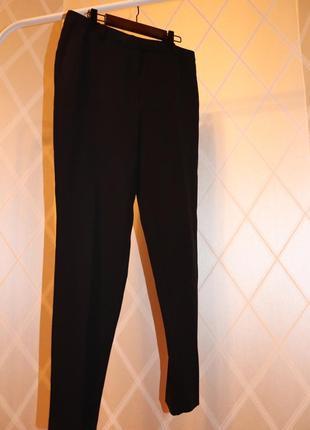 Классические чёрные брюки прямые слегка зауженные mango 38