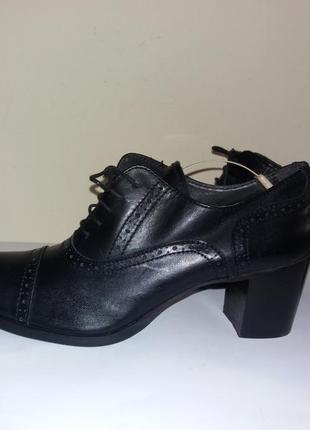 Кожаные фирменные туфли joi италия