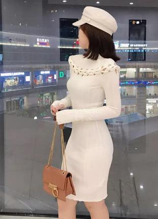 Трикотажное платье с плетениями {разные цвета}