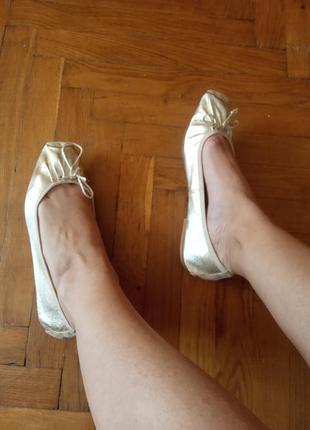 Надзвичайно м'які зручні золотисті балетки з квадратним носком італія шкіра