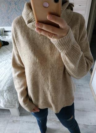 Стильный теплый свитер оверсайз с воротником