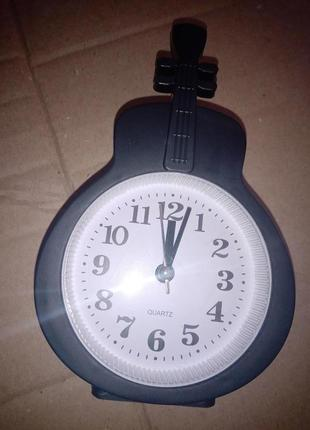 Настольные часы - будильник «гитара черная» 15×9,5×3,5 см.