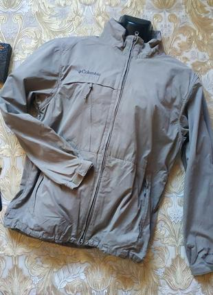 Фирменная куртка-ветровка. на бирке- l р-р
