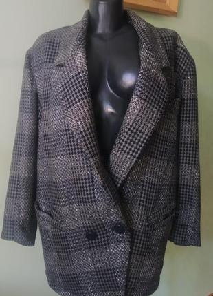 Шикарное короткое объемное пальто(шерсть+шёлк)в клетку