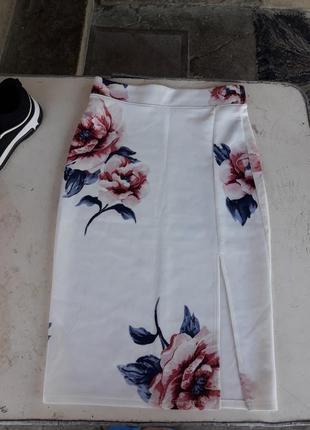 Красивая юбка в цветы