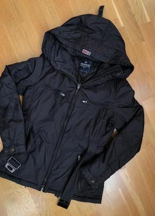 Курточка жіночі