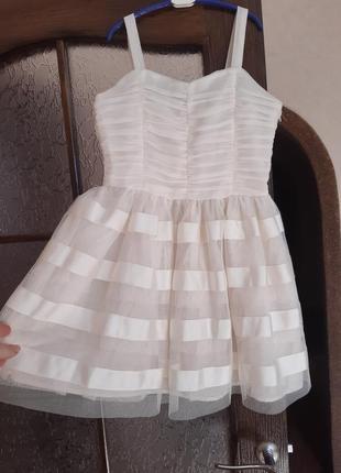 Нарядное платье на девочку h&m на 10-11 лет.