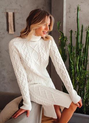 Шикарное безшовное вязаное платье