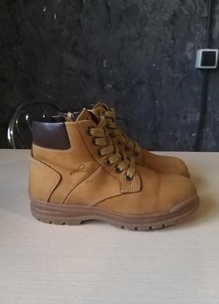 Фірмові шкіряні черевики