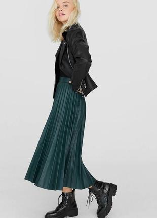 Кожаная плиссированная юбка