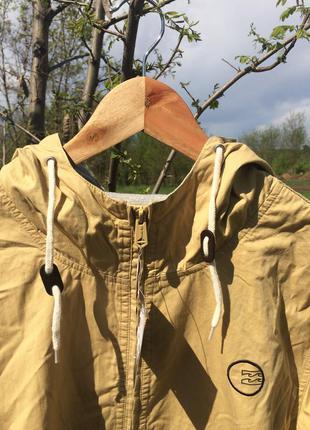 Курточка-ветровка billabong