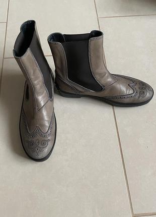 Ботинки 💥💥💥кожаные демисезонные tods размер 36,5