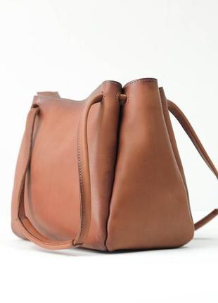 Женская кожаная вместительная коричневая сумка из натуральной кожи итальянский краст