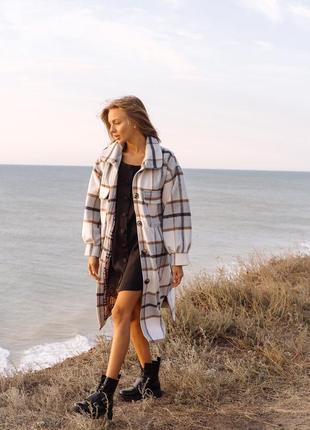 Пальто из мягкого эксклюзивного кашемира в рубашечном стиле