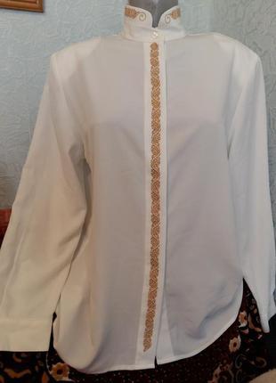 Рубашка с вышивкой новая!!!