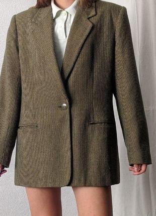 Sale #розвантажуюсь пиджак в клетку  с красивым зеленым подкладом скидка
