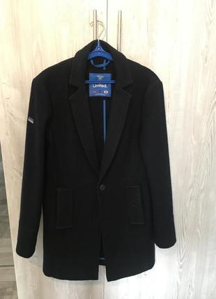 Трендовое шерстяное пальто от superdry, размер s