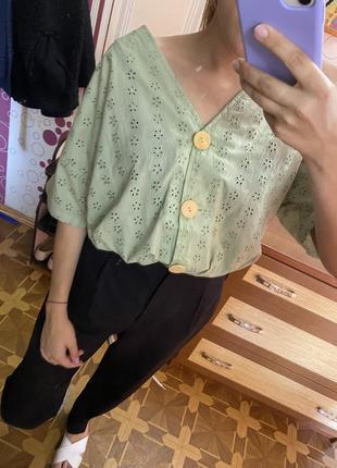Нарядная натуральная мятная блузка с пуговицами из прошвы блуза прошва