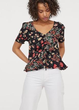 Натуральная летняя блуза блузка топ в цветочек с драпировкой h&m