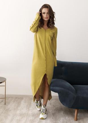 Оливковое демисезонное ангоровое платье