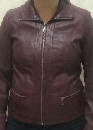 Шкіряна курточка. швеція