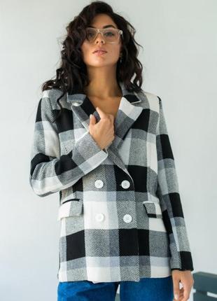 Пиджак в клетку-тартан с карманами