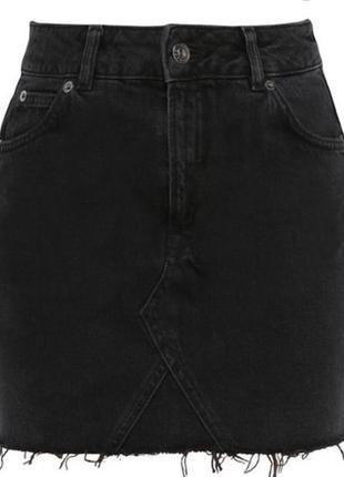 Джинсовая юбка с необработанным низом/чёрная юбка тоpshop