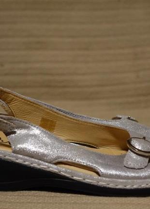 Очаровательные открытые серебристые кожаные босоножки la marine sandals франция 36 р.