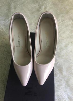 Туфли на высоком каблуке casadei