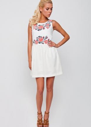 Платье nenka 172 белое льняное с красно-черными цветами под вышиванку