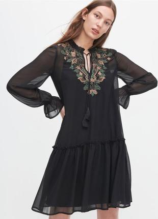 Платье с вышивкой xs-xxl