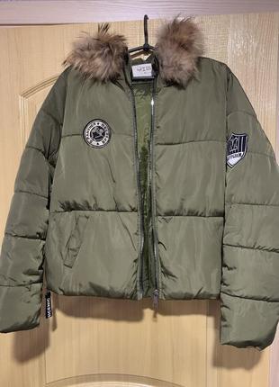Осенняя куртку оверсайз с натуральным мехом