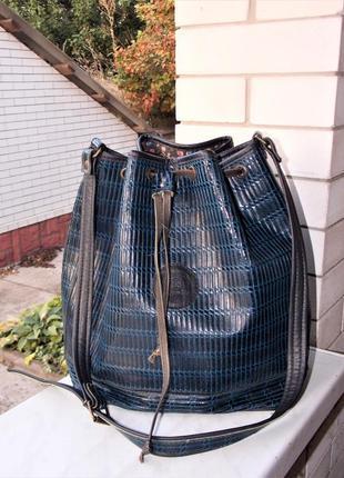 Италия, натуральная кожа сумка-мешок размер 35/40 см