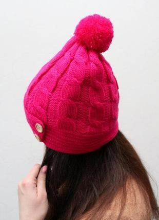 Очень красивая и стильная брендовая вязаная шапка с бубоном.
