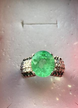 Это нечто  кольцо серебро  изумруд неон  такого цвета вы не видели  выращен лабораторно