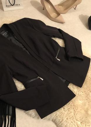 Невероятно стильный крутой жакет пиджак с замочками и застежкой на крючок, р.s/m...❤️🌹💋