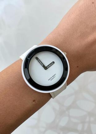 Женские наручные белые часы womage белого цвета