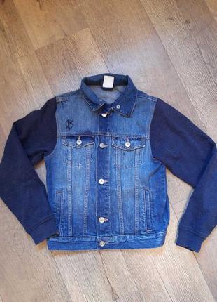 Джинсовая фирменная куртка пиджак