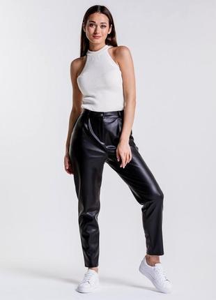 Новые с биркой!!крутые брюки из кожзама размер 12-14 (44-46)