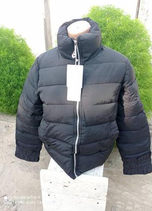Куртка дутик с рюшами на рукавчиках