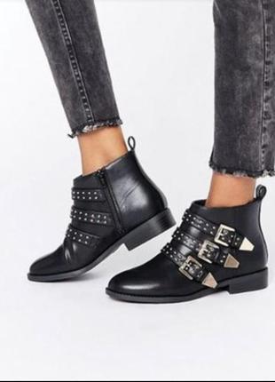 Стильные натуральные ботинки