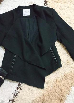 Трендовый шерстяной пиджак полупальто zara в стиле косухи с кожаными вставками с-м