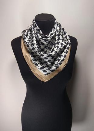Маленький средний шелковый платок платочек гусиная лапка на шею на сумку на волосы новый