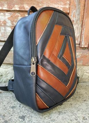 Стильный кожаный рюкзак, качество!!!в реале темнее