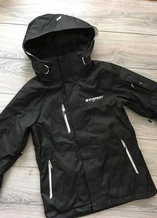 Лыжная куртка everest размер 36 s.