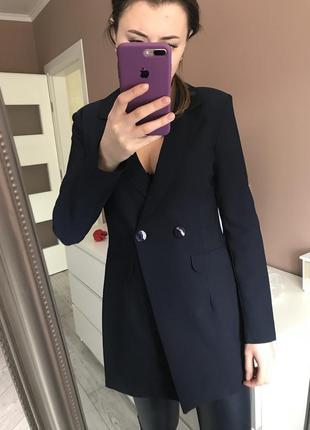 Удлиненний синий пиджак