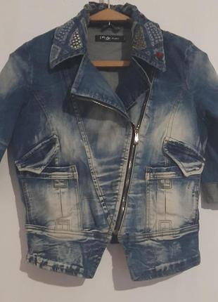 Джинсовый стильный пиджак 42-44 размер