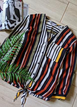 Яркая укороченная рубашка с завязками в полоски свободного кроя