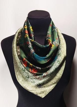 Маленький средний шелковый платок платочек темно-зеленый на шею на сумку на волосы новый